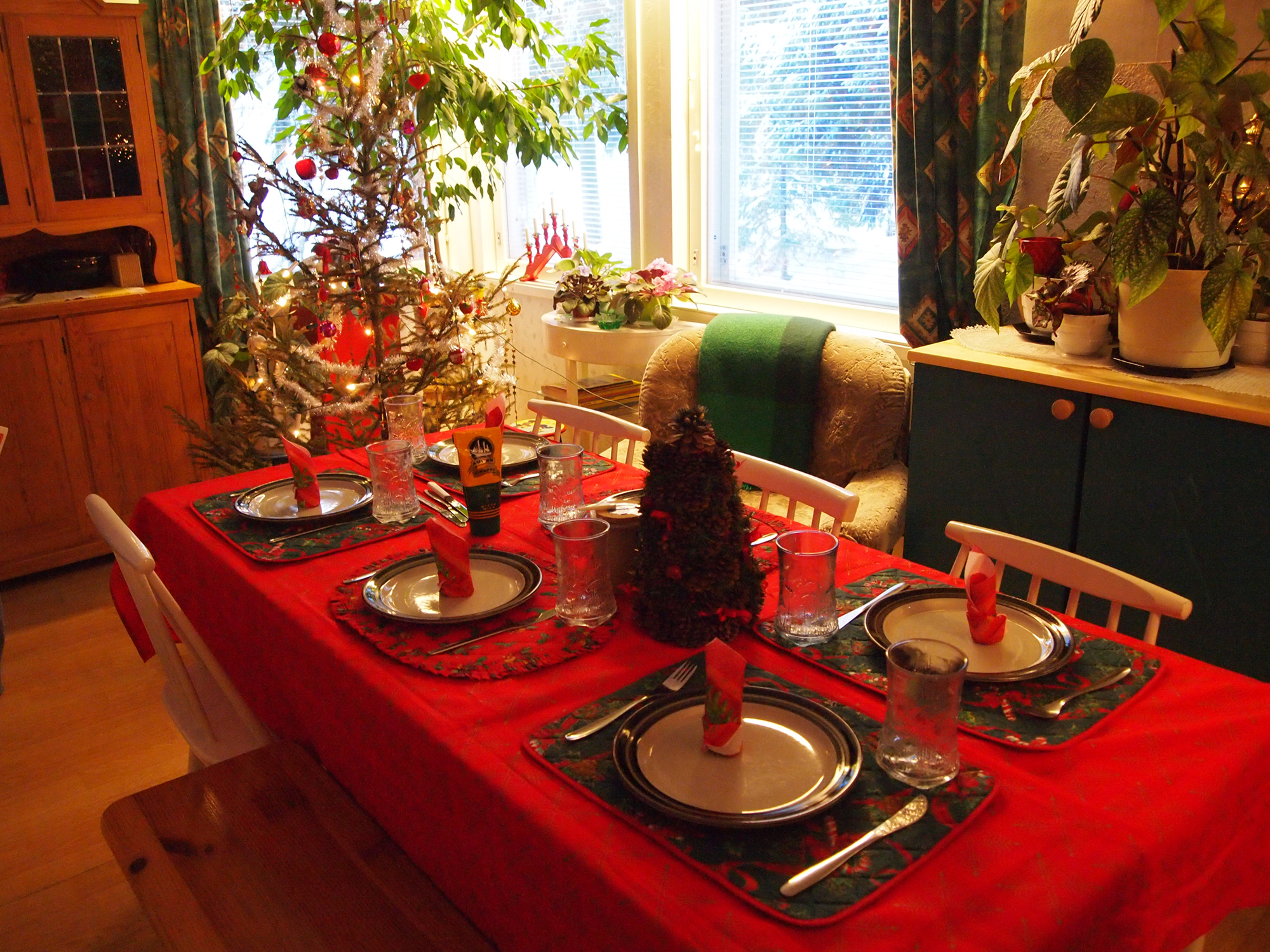 Feed a family this Christmas on the Isle of ManGiving im   White Rabbit Charity. Living Room Glasgow Christmas Menu. Home Design Ideas